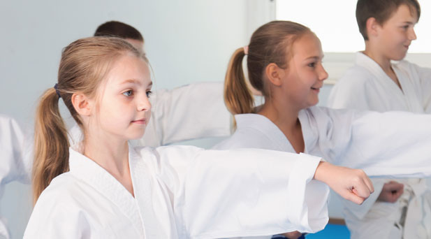 Integr8 Martial Arts has provided the Bentleigh East community in Melbourne with Muay Thai, Mixed Martial Arts, Karate, Self-Defence classes and Fitness Classes - Kids Karate - Bentleigh East