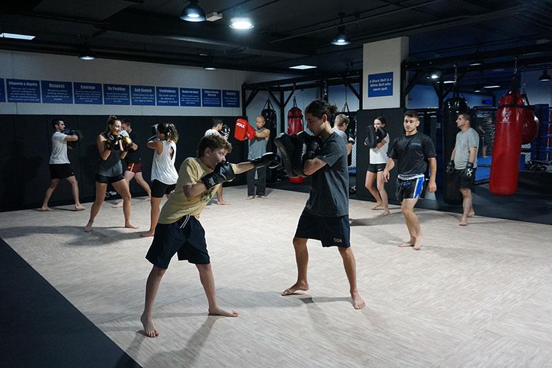 Adults Muay Thai Kickboxing